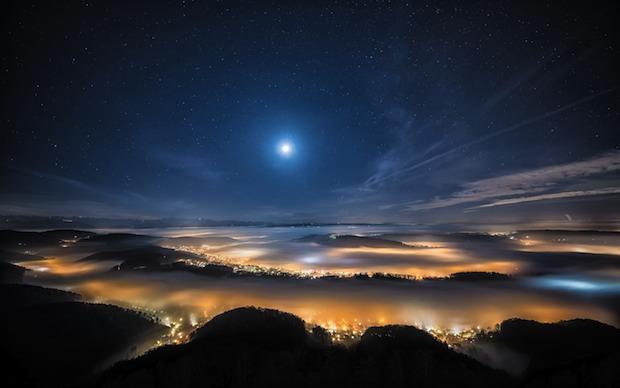 dim moon