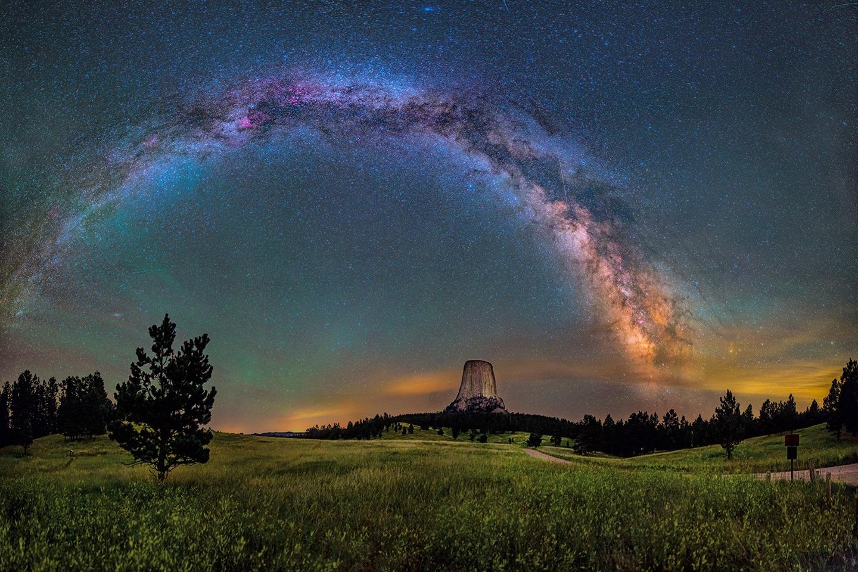 Milky-Way-Devils-Tower