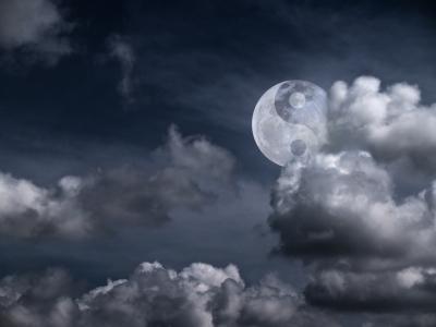 ying yang moon